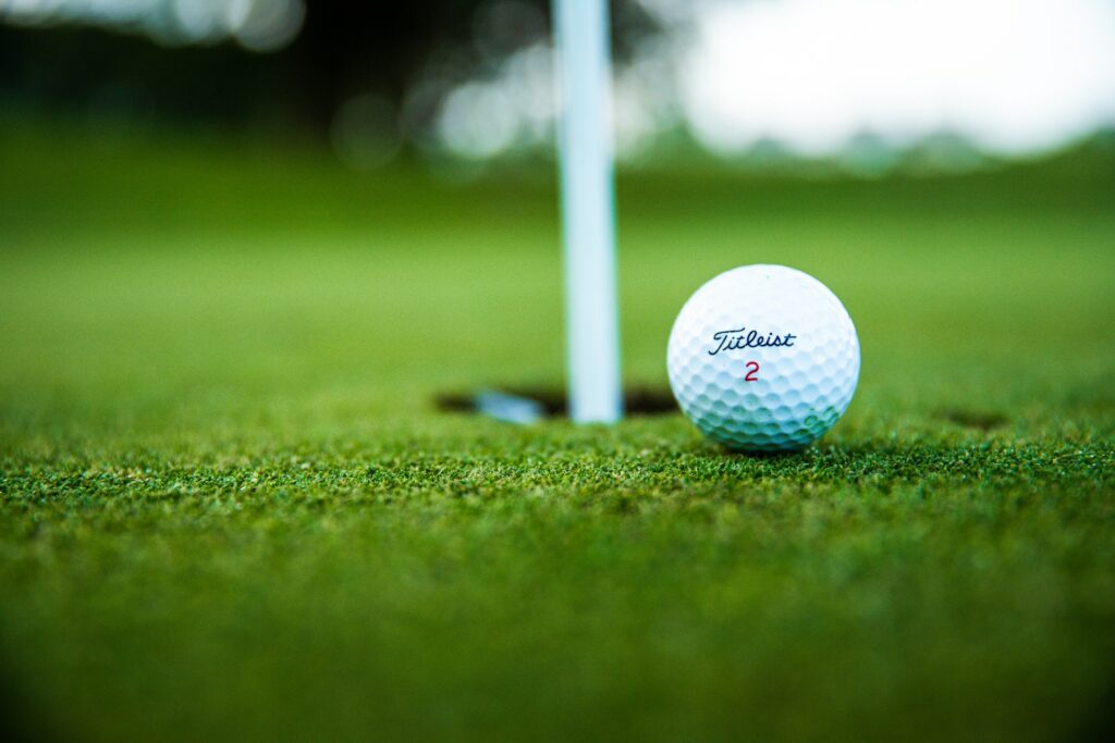golf near accommodation for professionals at Finn Valley